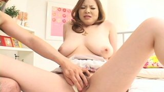 Bosomy snow white Japanese gal Kumi Mizusawa gets fingered