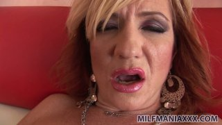Busty blond milf Brittany Blaze doesn't mind sucking a tasty lollicock